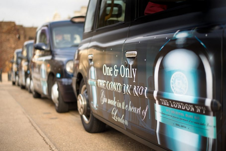 Gin-tly does it. London No 1 uses taxis for pre-Christmas campaign.